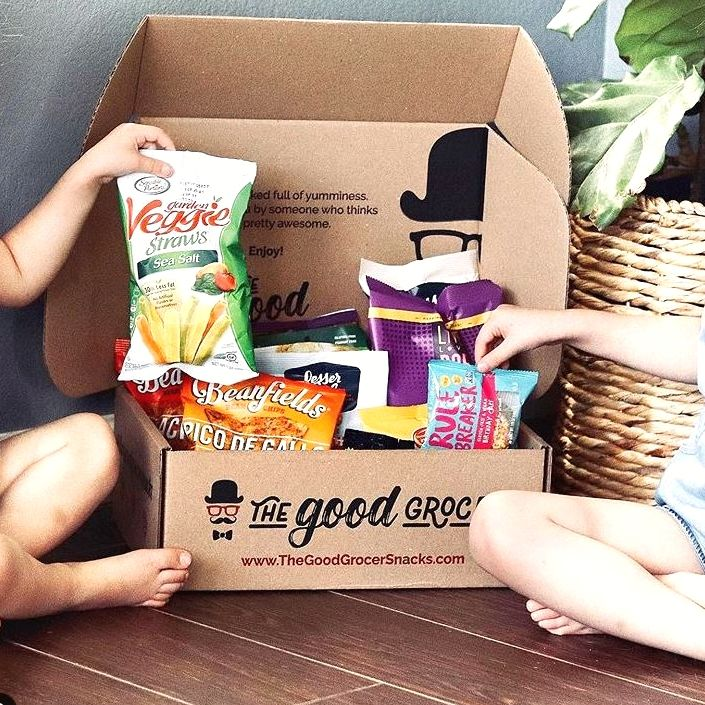 We spy some amazing snacks! Check out the amazing boxes from @thegoodgrocersnacks - delivered right to your door! Thanks for the ❤️ and the 📸 @theplantpoweredparents!  #bearulebreaker #rulebreakersnacks #plantbased #plantbasedparents #plantpowered #veganfamily #veganparents #veganmom #vegandad #azvegan #foodphotographer #foodblogger #veganfoodshare #poweredbyplants #govegan #glutenfree #wfpb