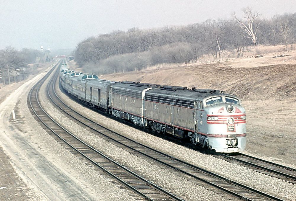 The Outbound California Zephyr Speeds Through Lisle Il On The Chicago To Aurora Racetrack Against The Current On April 4 1964 The Lead Unit Is E8 9943b Eve California Zephyr Train Train Pictures