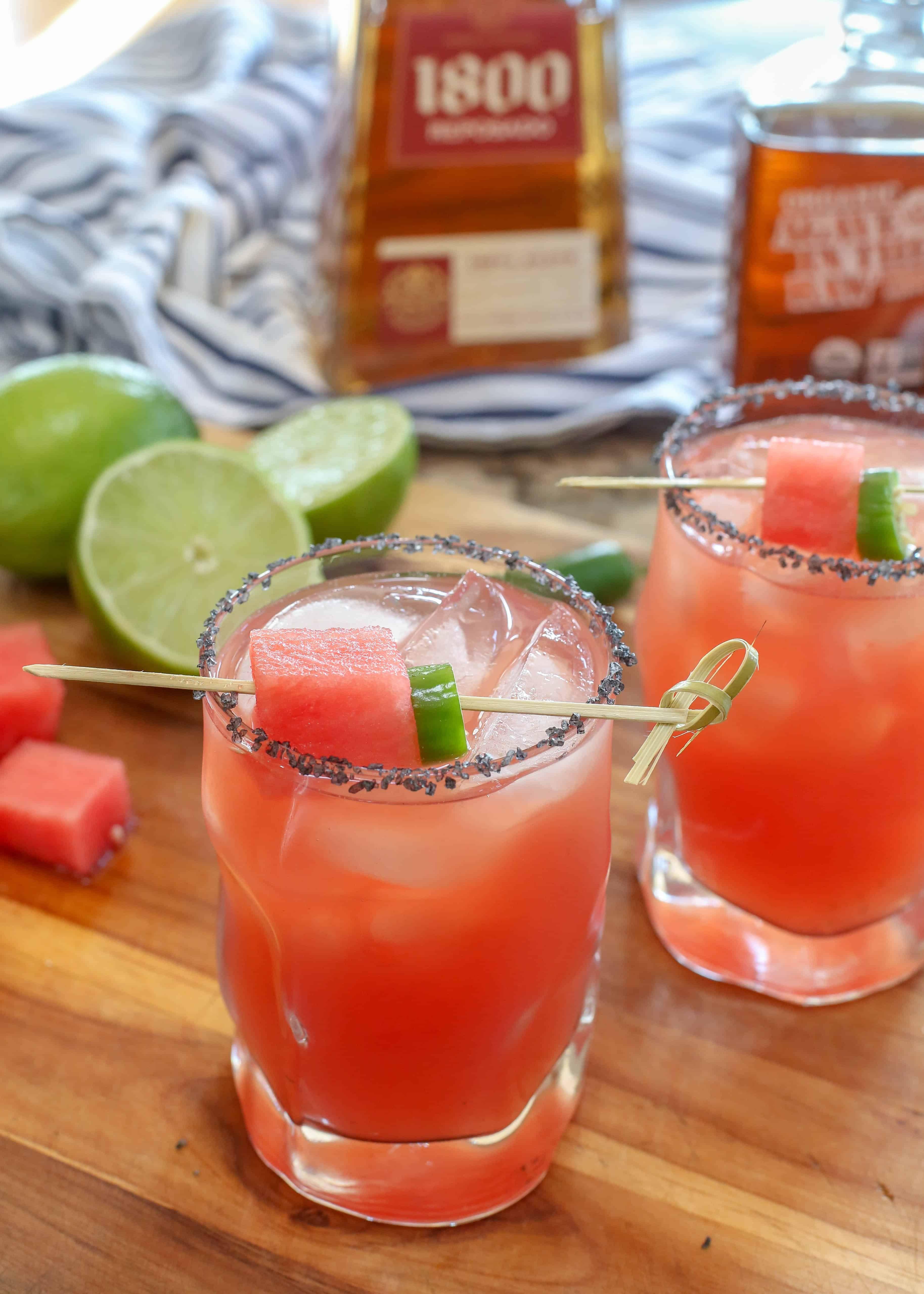Wassermelone In Flammen Auch Bekannt Als Die Beste Wassermelonen Margaritas In 2020 Watermelon Margarita Margarita Recipes Summer Drinks Alcohol