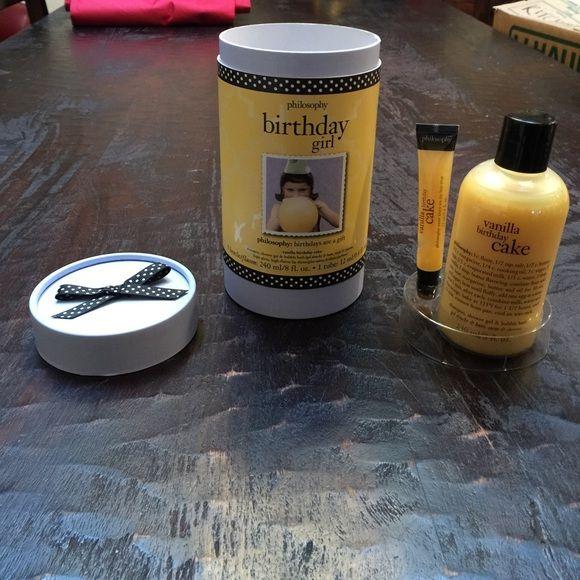 Philosophy Birthday Girl Gift Set Vanilla Cake Lip Gloss Shampoo Shower Gel Bubble Bath BRAND NEW Makeup Balm