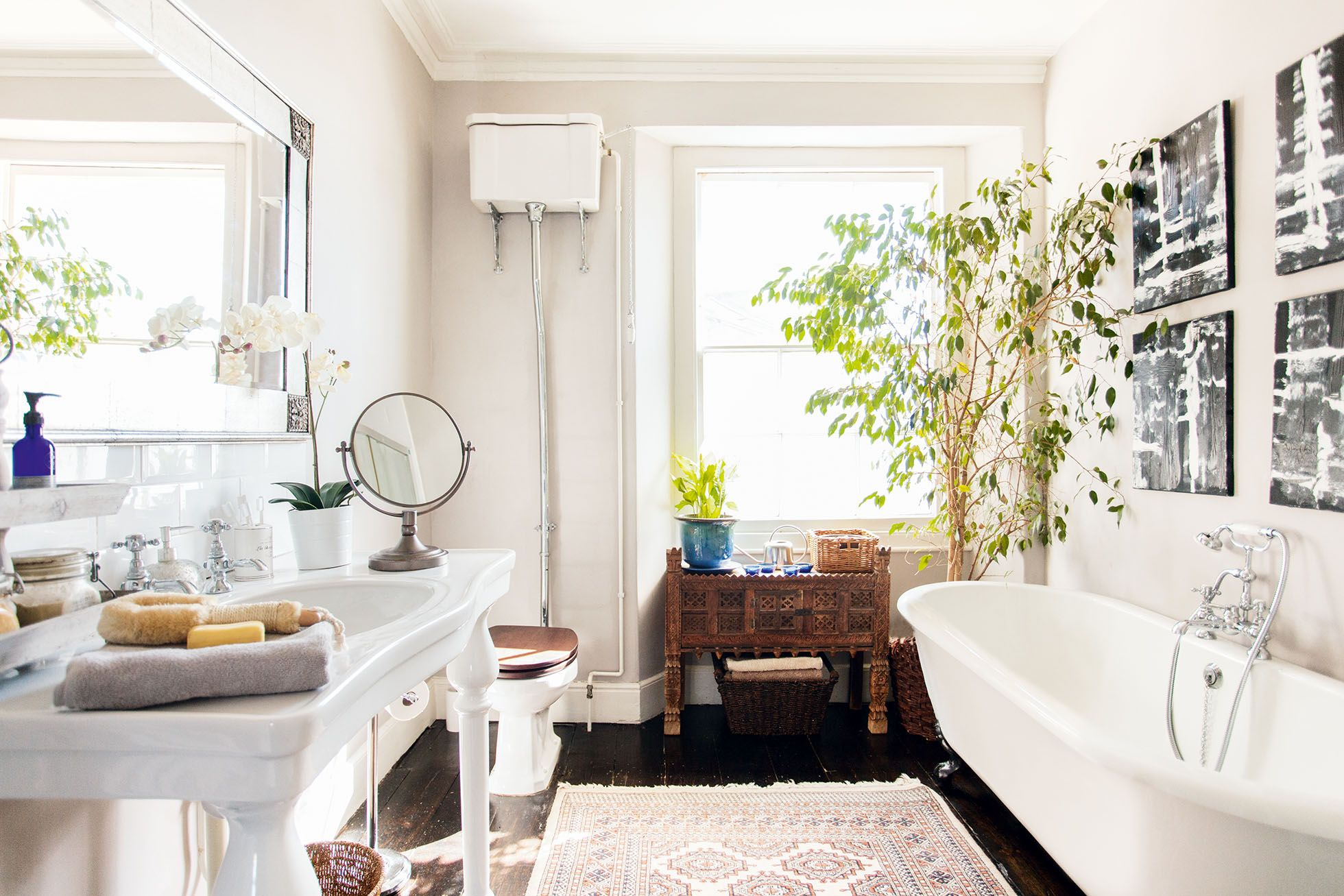 Angela Rowe and Alex Lock have updated their family bathroom with ...