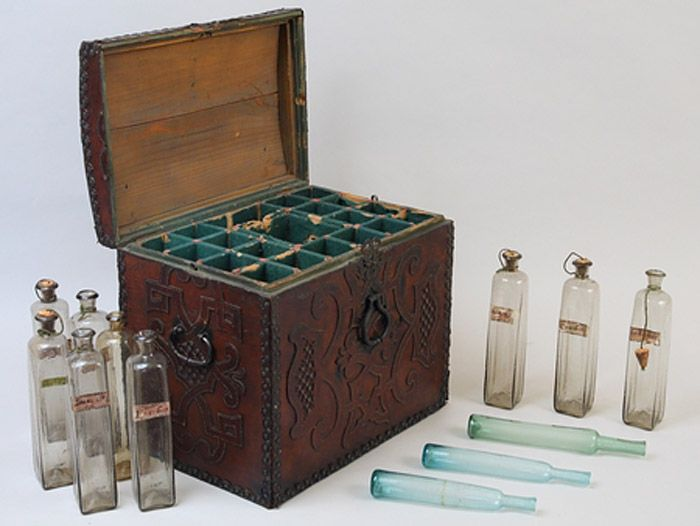 Musee Flaubert Et D Histoire De La Medecine Sante Et Medecine Musee Virtuel De La Nouvelle France Virtual Museum Medical Curiosities Antique Boxes