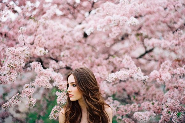Natural Wedding Hair Ideas Once Wed Spring Portraits Spring Photography Pink Blossom