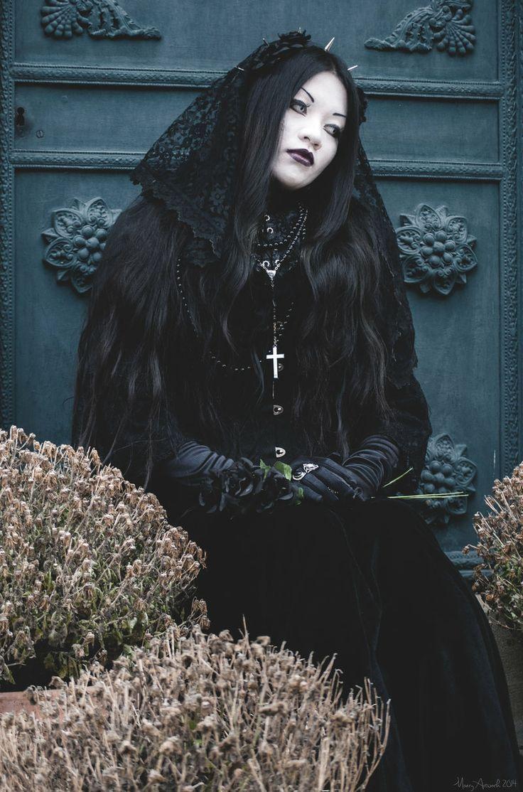 Gothic dress elegance in darkness fashiongothic pinterest