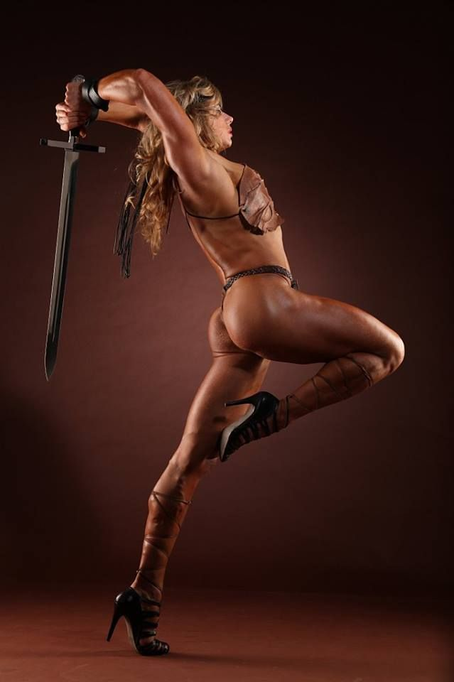 The sexiest women in action images