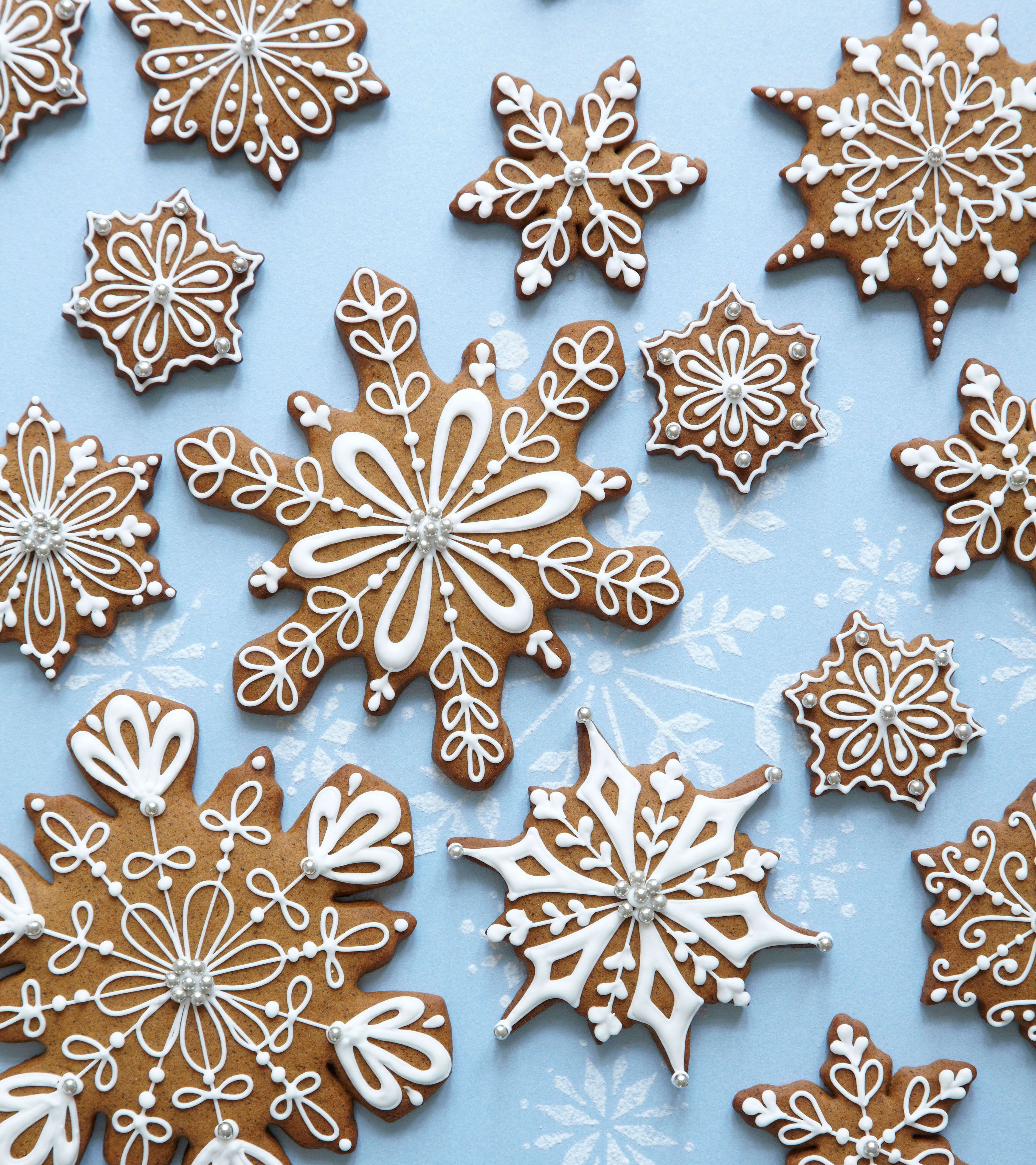 Gingerbread Snowflake Cookies Www Peggyporschen Com It S All About