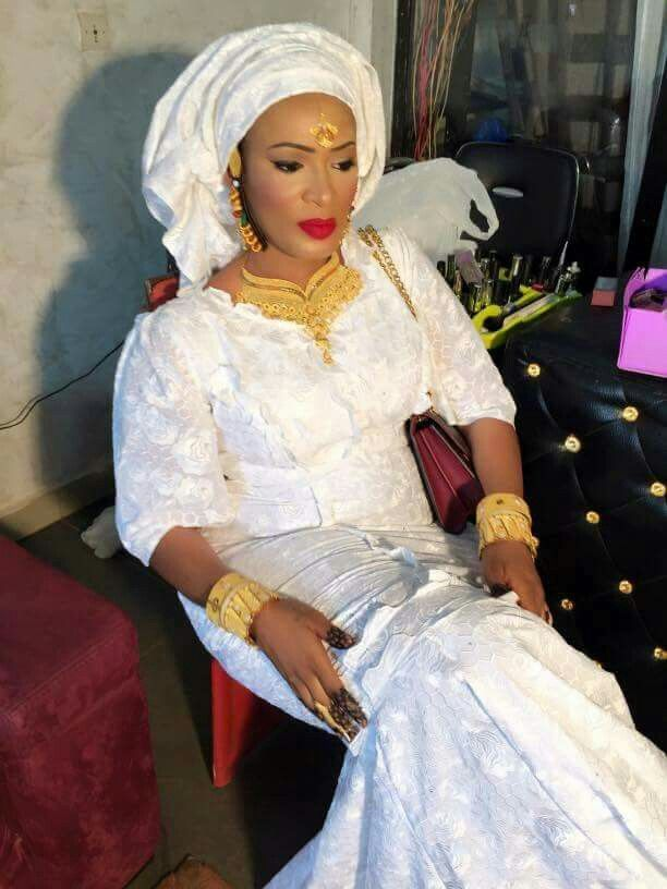 Malian Fashion bazin wax #Malifashion #bazin #malianwomenarebeautiful #dimancheabamako #mussoro #wax #malianwomenarebeautiful #dimancheabamako #malianwedding #bazinriche #brodé #brocade #teinture #gala