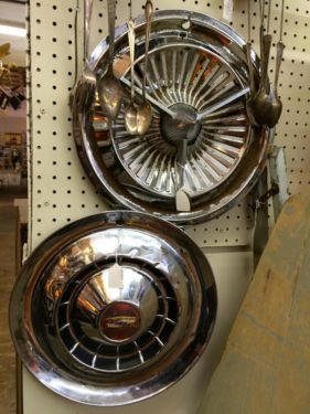 Vintage Hubcaps Vw Bug Chevy Deco 20 And Up Rustiquities Dealer