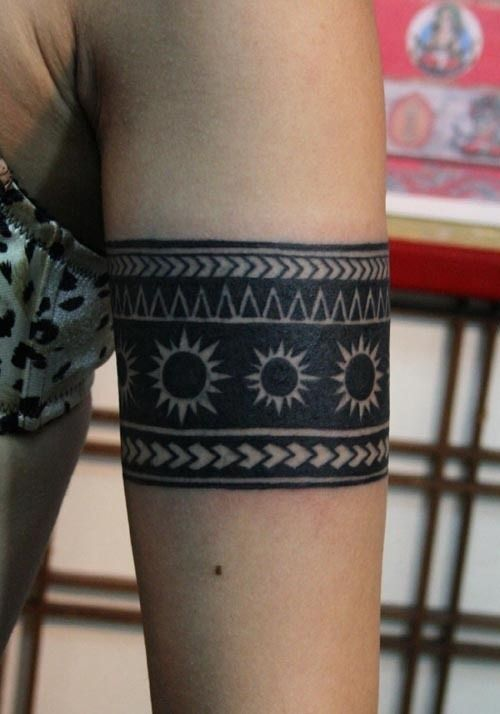 20 Amazing Solid Armband Tattoos (13) | tattos | Arm band ...