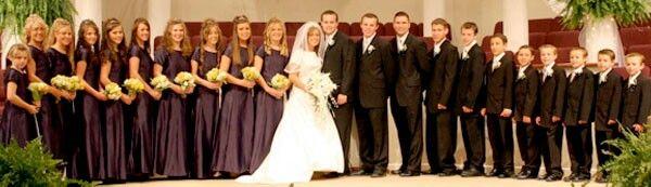 Josh Anna Duggar With There Maid In Honor Bridesmaid Best Man Groomsman Duggars Duggar Wedding Josh Duggar Family
