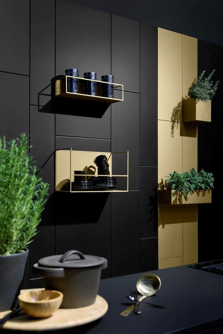 Modulares Wandregal Aus Metall Praktische Wandgestaltung Fur Wohnzimmer Und Kuche Wohnzimmerwand Wandregal Metall Kuchenwandregale