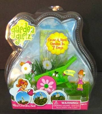 Garden Girlz Lilly Bloom Mini Grow A Garden Set New In Package Garden Set Bloom Packaging