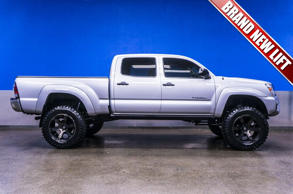 2012 Toyota 4x4 Truck For Sale with New Lift Tire