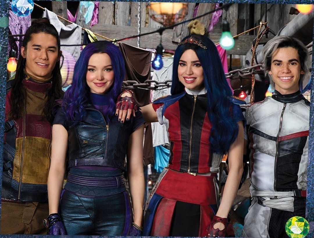 New Photo Of Descendants 3 Descendants3 Lightinthepiazza Dovecameron Descendants2 Descen Cameron Boyce Descendants Disney Channel Descendants Descendants
