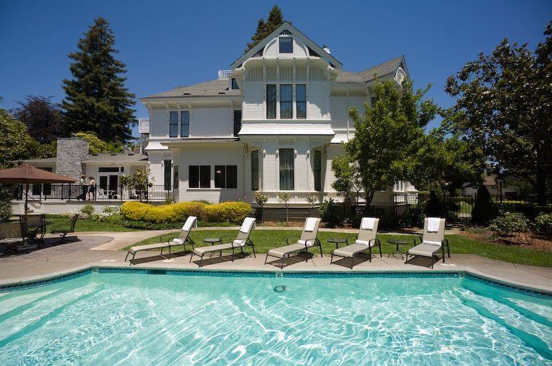 Pin By Bbonline Com On California Wine Country Napa Valley Bed