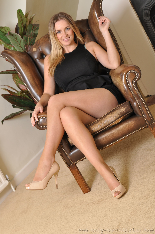 18 latina sexy young
