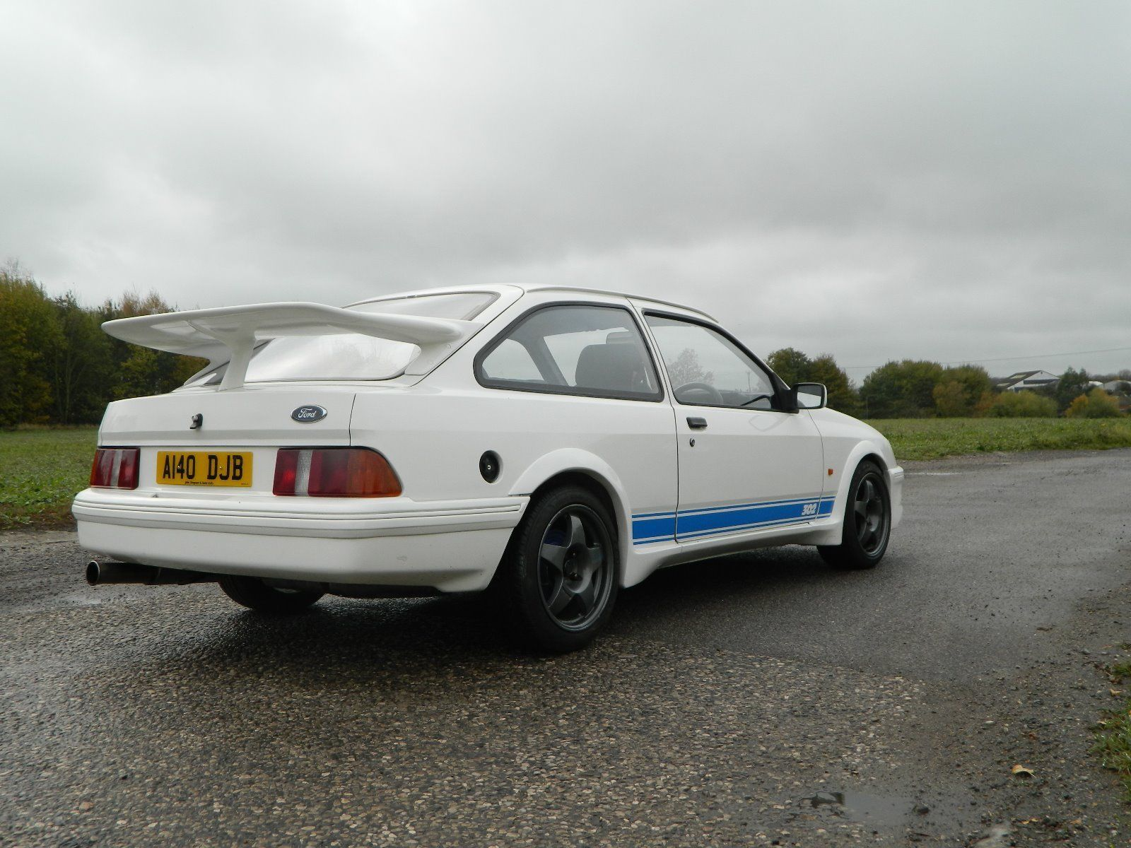 Looking for a Ford Sierra 3door V8. Cosworth 500 Looks? This one is ...
