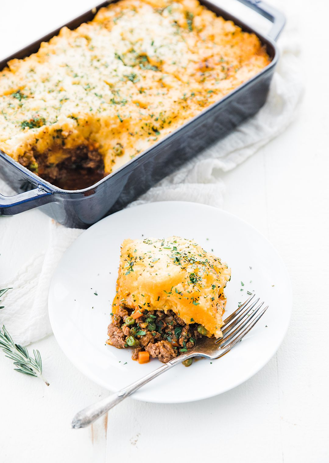 Shepherd S Pie This Classic Shepherd S Pie Made With Ground Lamb Vegetables And Mashed Potatoes Is Absolutely Delicio Classic Food Lamb Recipes Comfort Food