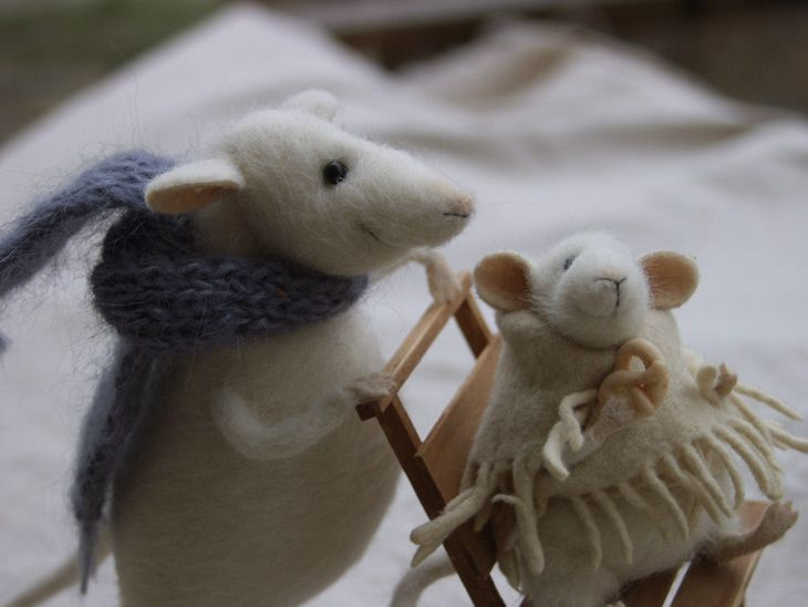 winter walk - mice with sledge (side view)