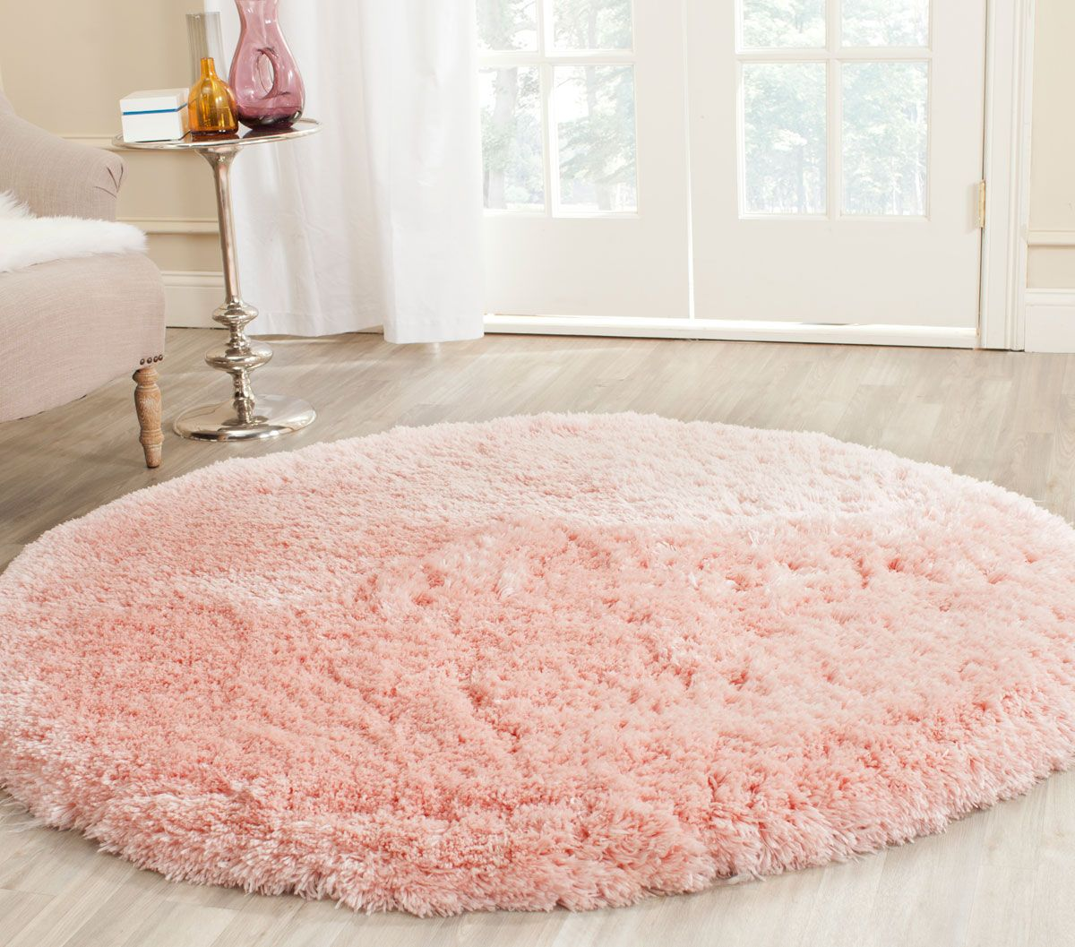 People Who Have Decided To A Fluffy Area Rug Usually Don T Worry About The Possibility Of Allergies Rugs Are Hypoallergenic Flooring