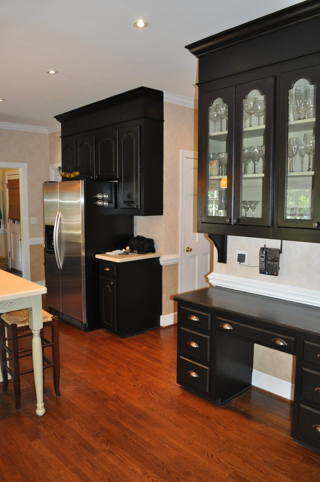 Black Painted Kitchen lacquer actually
