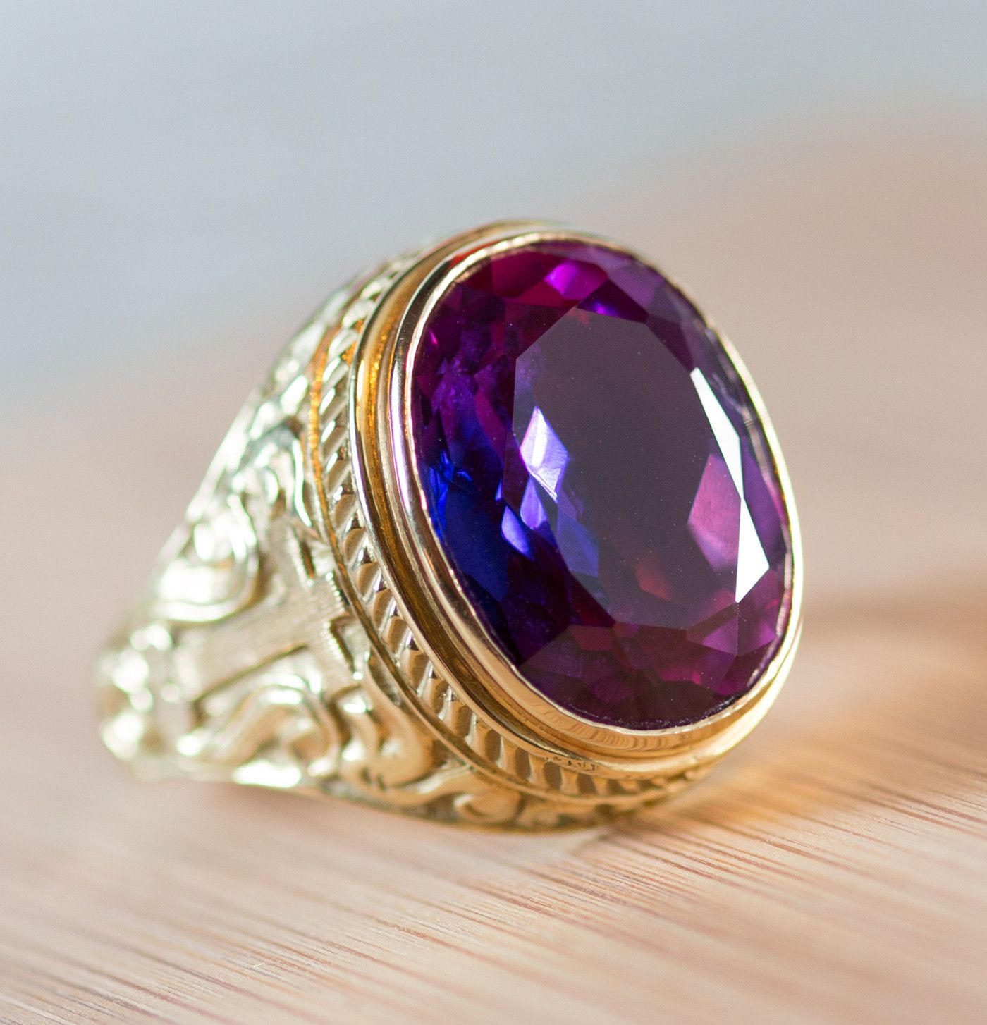 Bishop S Ring 18k Gold With Amethyst Clergy Garmets