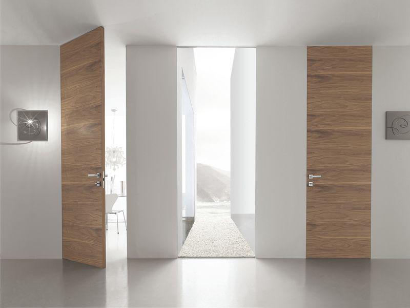 Puerta a ras de pared de madera b line by bluinterni puertas interior en 2019 Puertas de madera decoradas