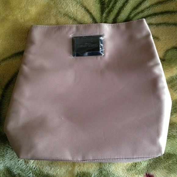 Giorgio armani❤ Makeup bag super cute❤ Georgio armani Accessories