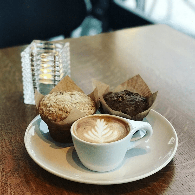 The Hottest Indie Coffee Shops In Milwaukee Cute Coffee Shop Coffee Shop Best Coffee Shop