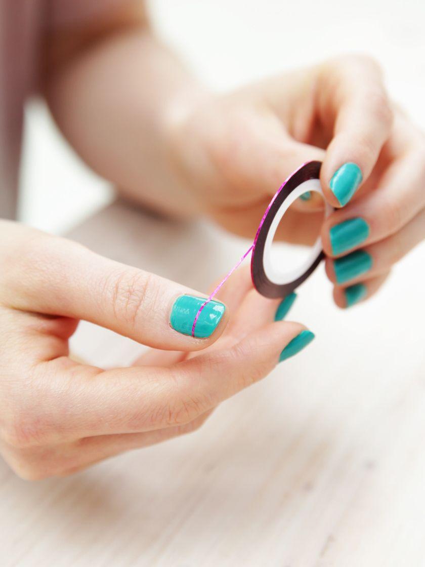 Statt Nagelstudio: DIY-Nail-Art mit Nail-Stripes! | Beauty ...
