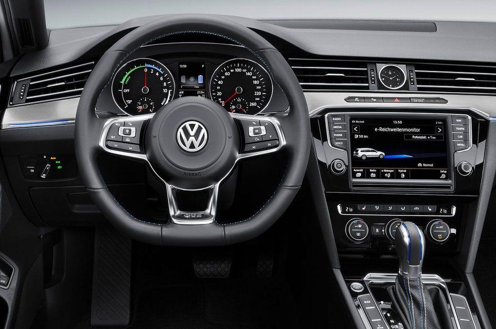 New Review 2015 Volkswagen Passat Gte Model Price And Release Date Volkswagen Passat Volkswagen Vw Passat