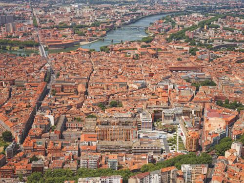 La Vie A Toulouse Toulouse Vu D En Haut En 10 Photos Toulouse Ville De Toulouse Ville Rose