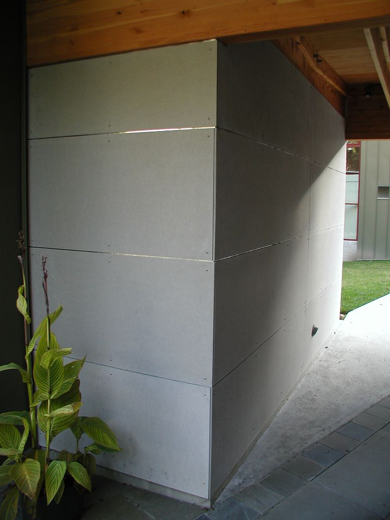 Residence Fiber Cement Board Iron Gates Post Beam