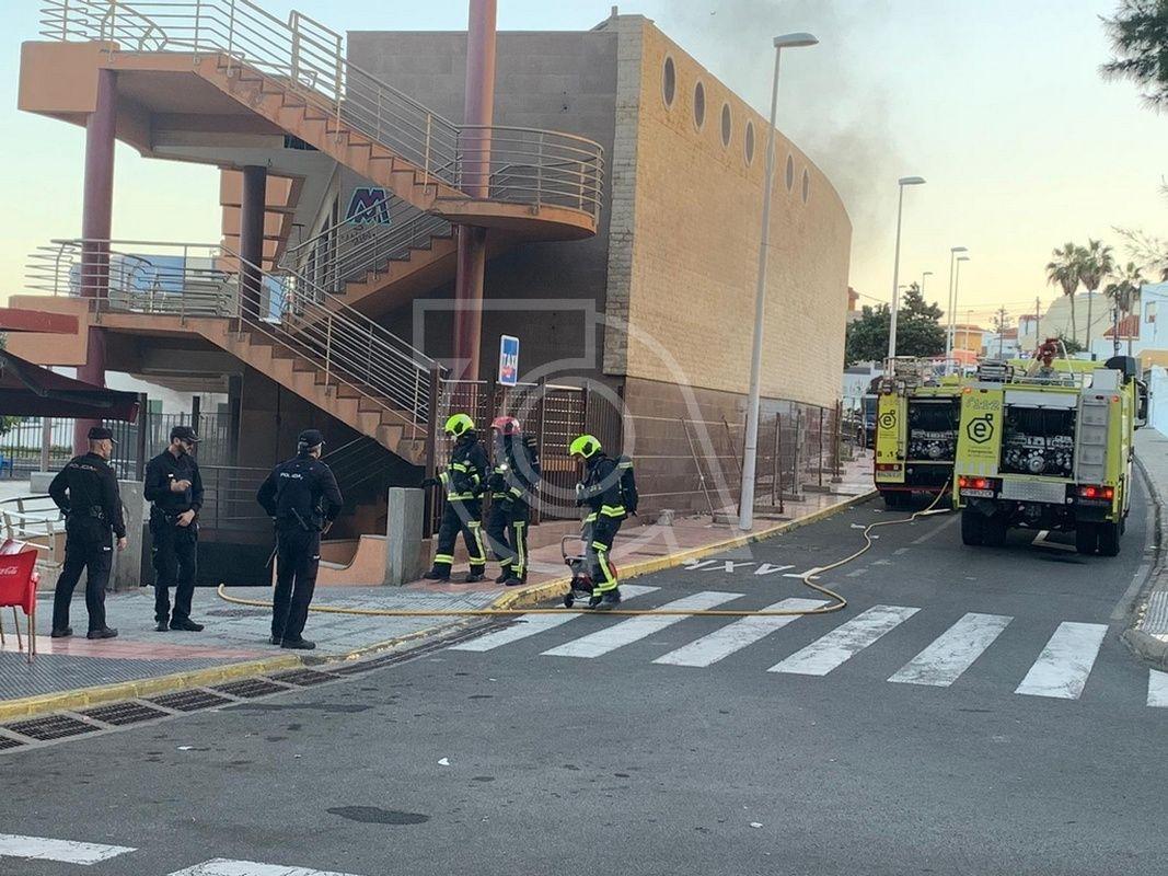 Incendio En El Garaje Del Centro Comercial Abandonado De La Garita