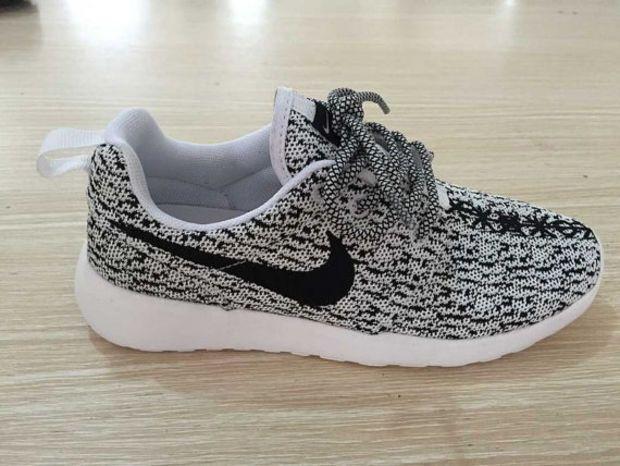 nike roshe run colored sole sneakers