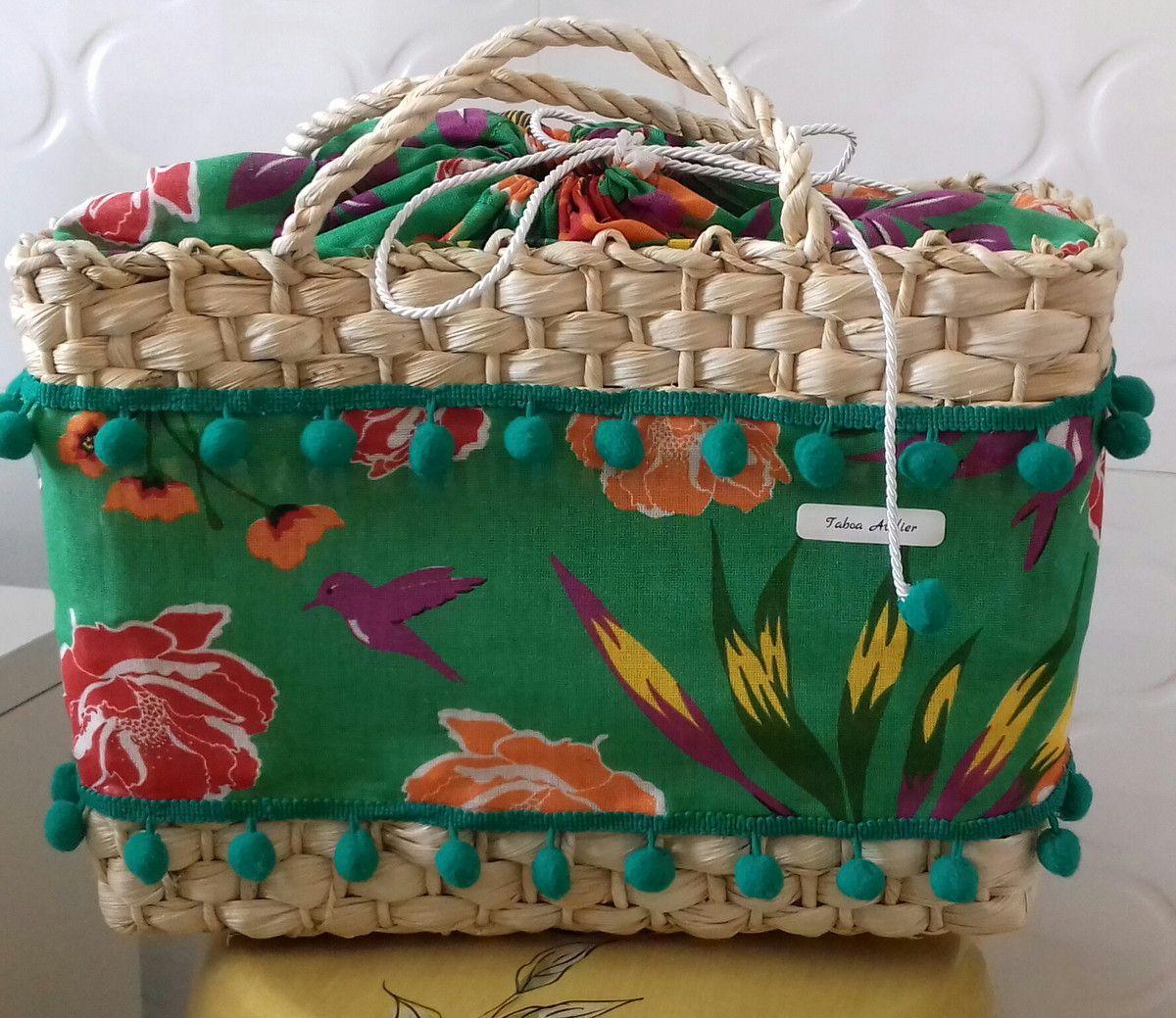 7764f8e32 Bolsa em Palha de Milho Media de Praia Bolsa ideal pra praia e compras.  Totalmente artesanal feita em palha de Milho. Alça de Mão Modelo com forro  e sem ...