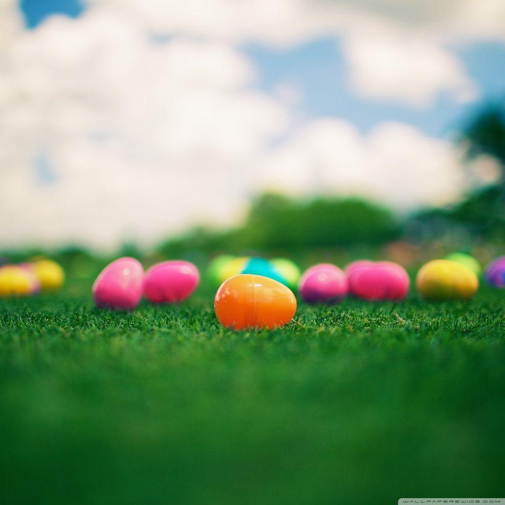 Easter iPad Wallpaper - Several Designs!