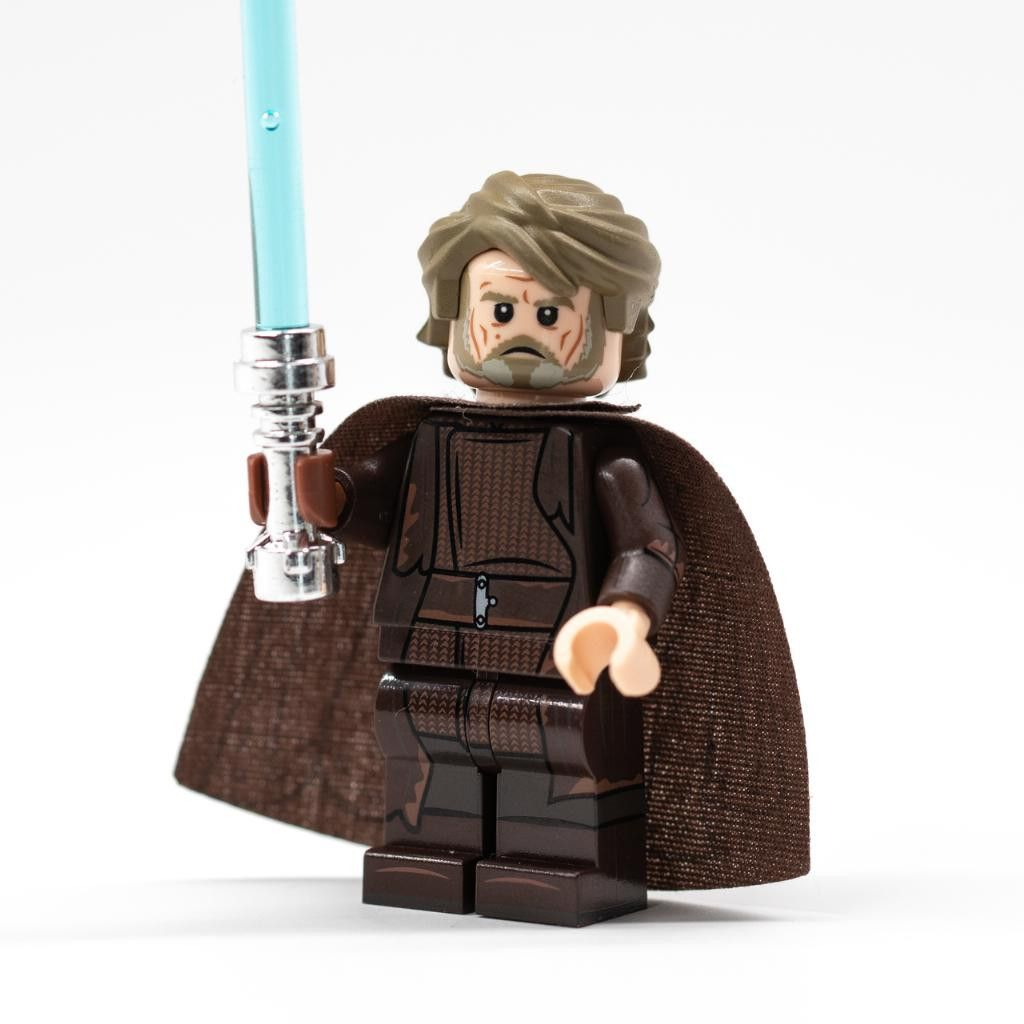 Luke Skywalker The Last Jedi In 2020 Lego Star Wars Sets Lego Star Wars Cool Lego