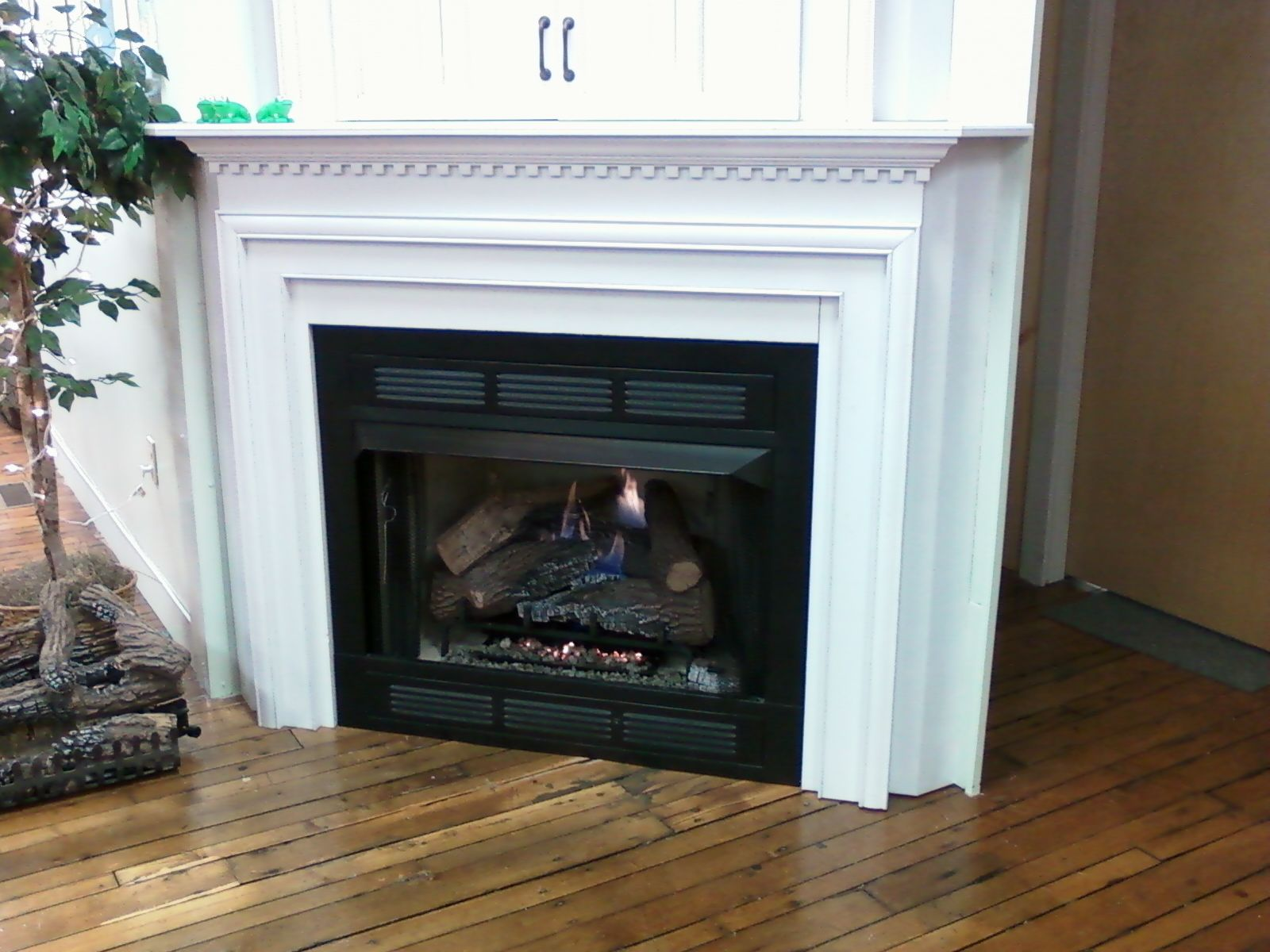 Vantage Vent Free Gas Logset With Fireplace Fronts Surround