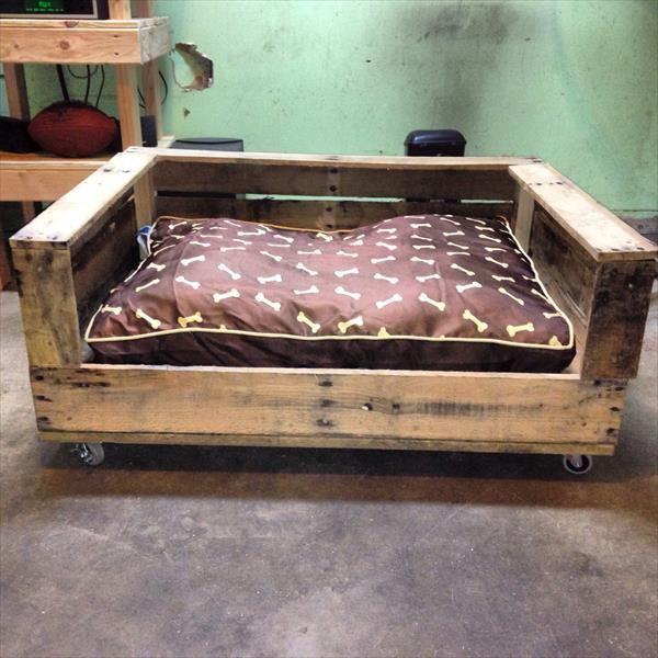Dog bed google search dog bed bath pinterest for Pallet dog crate