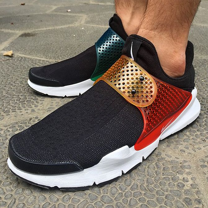 90d8e53eccf9 Nike Lab Sock Dart Be True Rainbow