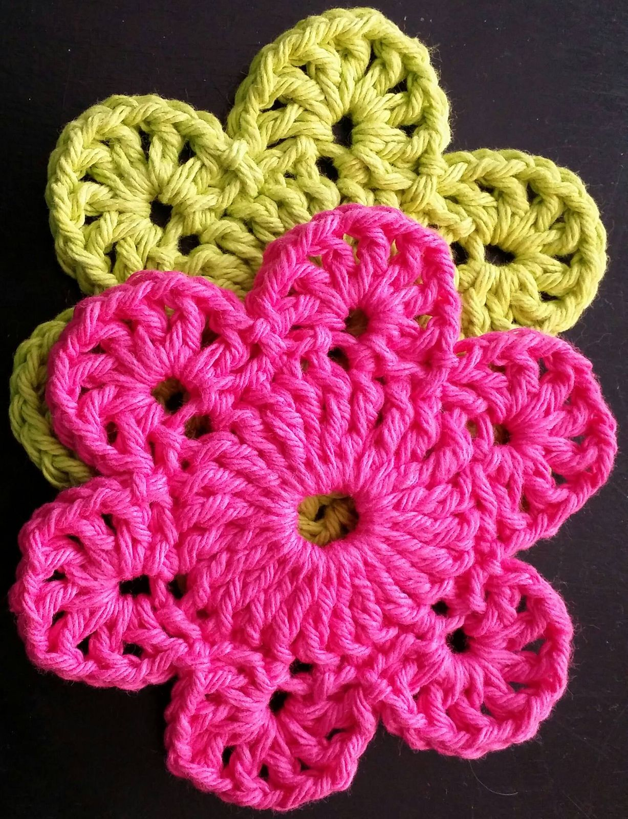 Ravelry: Movement Flower Coasters by Hooked on Stitches | Mantas de ...