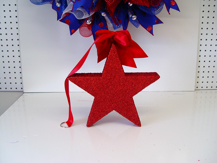 Patriotic Ruffle Wreath Tutorial #decomeshwreaths