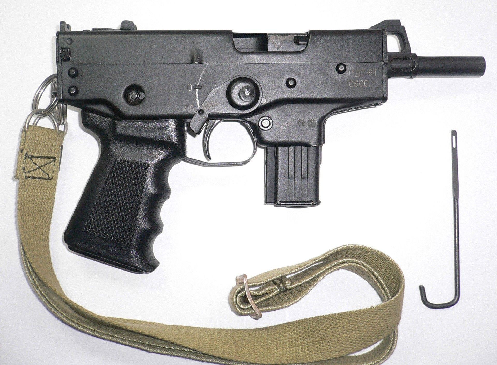 Смотреть порно пистолет макарова