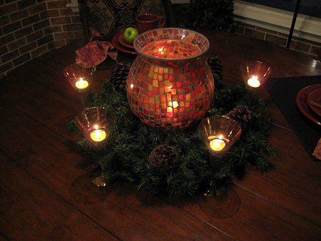 Super simple christmas centerpieces you can do yourself projects super simple christmas centerpieces you can do yourself solutioingenieria Gallery