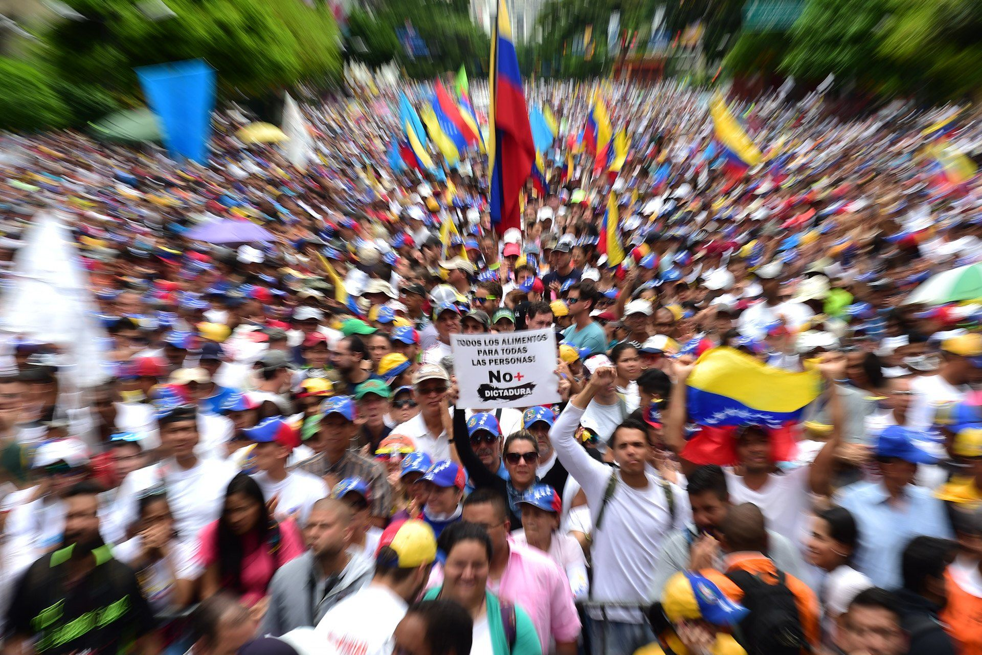 Opositores Marchan Para La Asamblea Nacional Ronaldo Schemidt Agence France Presse Oposicion Caracas Venezuela