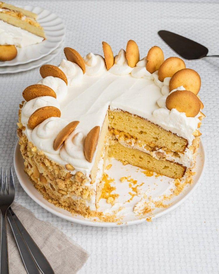 Easy Banana Pudding Cake — Kitchn #bananapudding