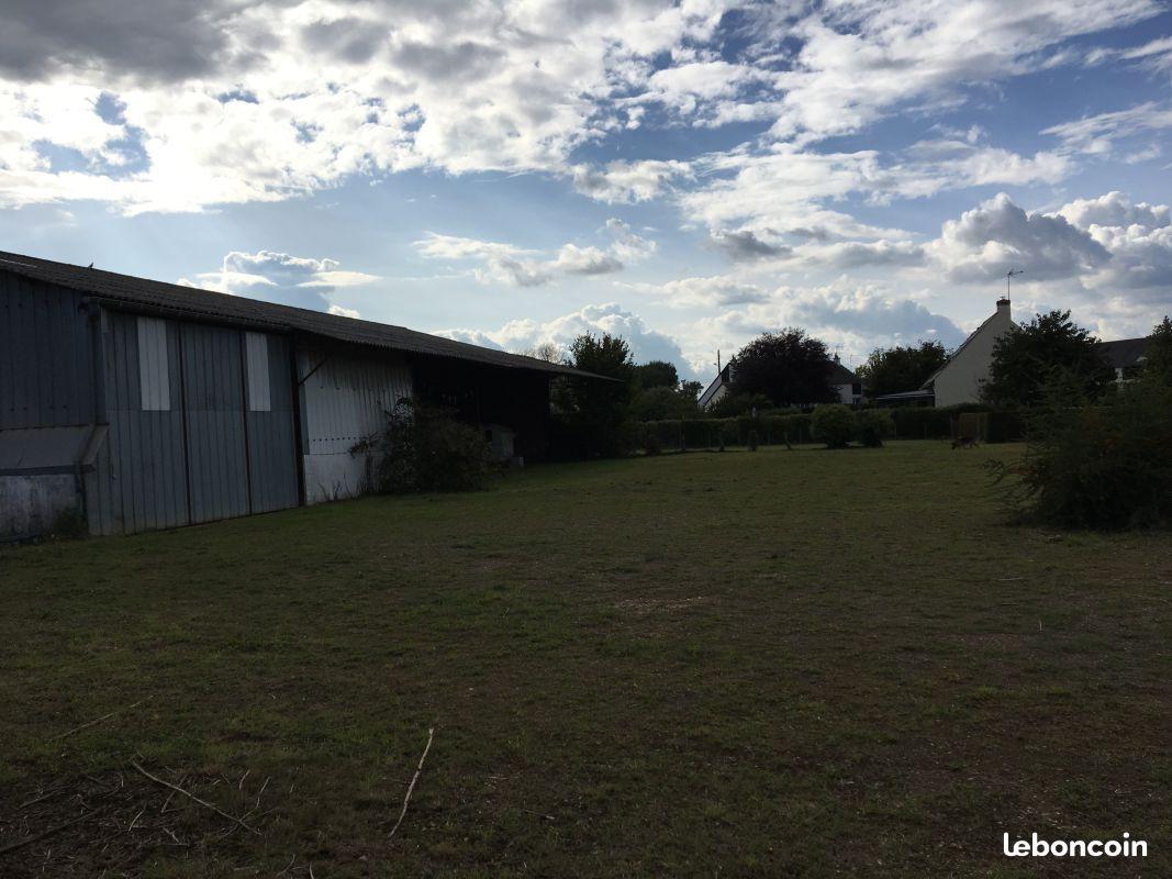 Terrain constructible hangar atelier garage