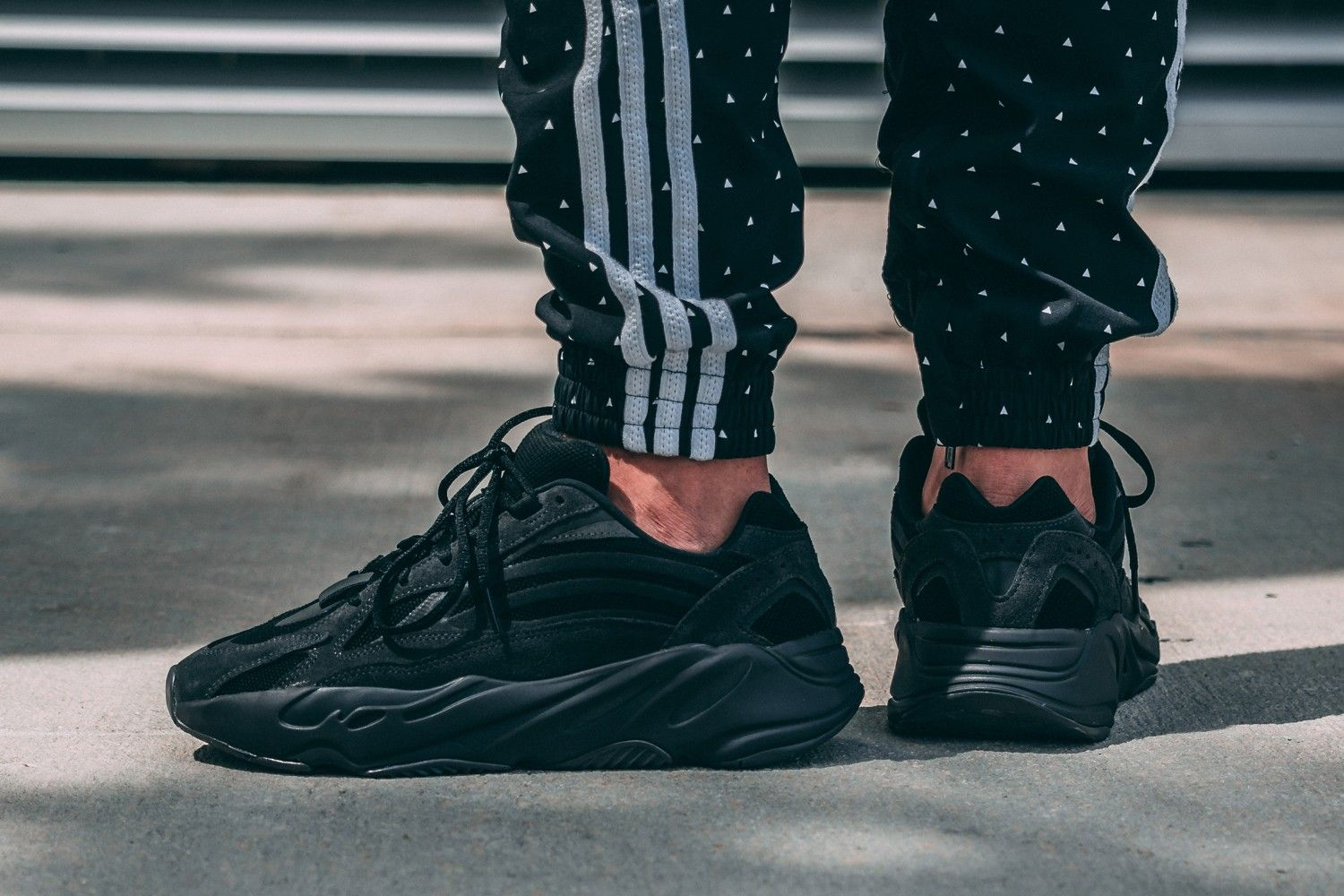 On Foot Adidas Yeezy Boost 700 V2 Vanta Eukicks Leather Shoes Woman Adidas Yeezy Boost Yeezy