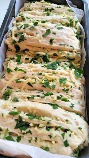 Vitlöksbröd med örter och ost